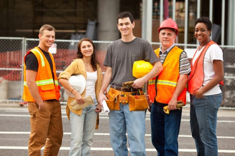 The best reasons to hire a general contractor team managment